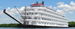 queen-of-the-mississippi-paddlewheel-river-boat-wide